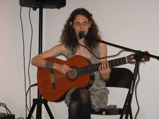 Rebecca Schiffman performing at Mitchell-Innes & Nash